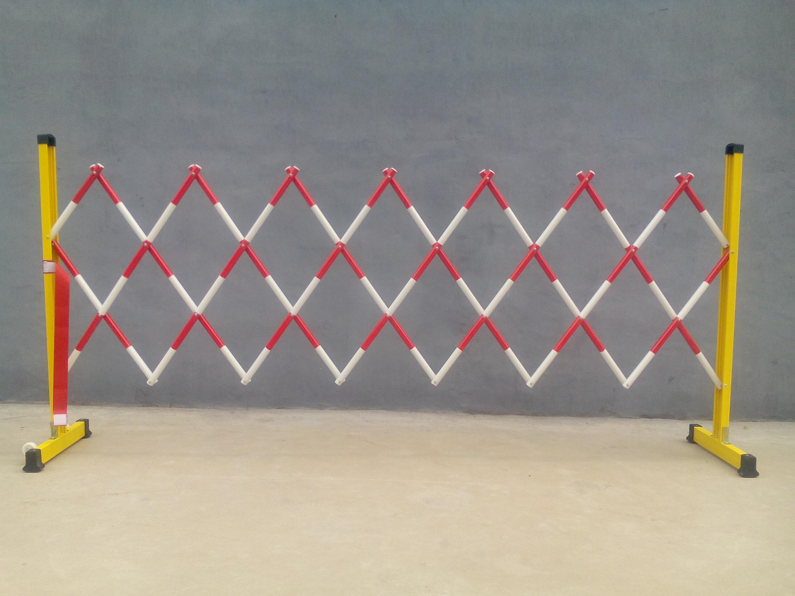 管式绝缘伸缩围栏